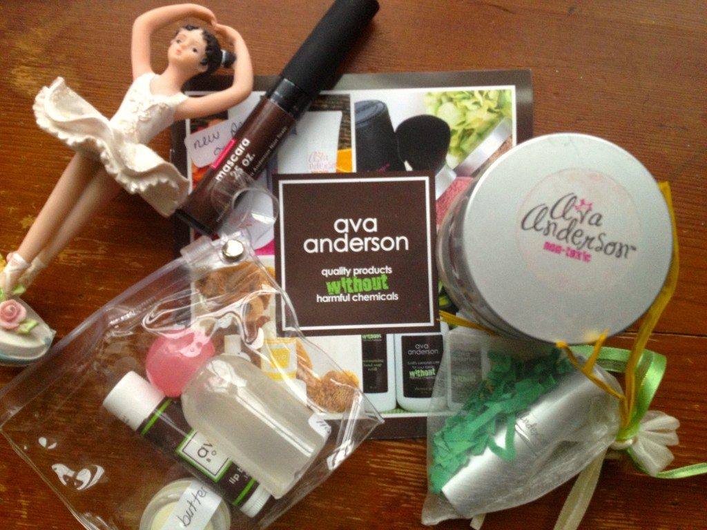 Real Mom Review: Ava Anderson Non-Toxic Makeup