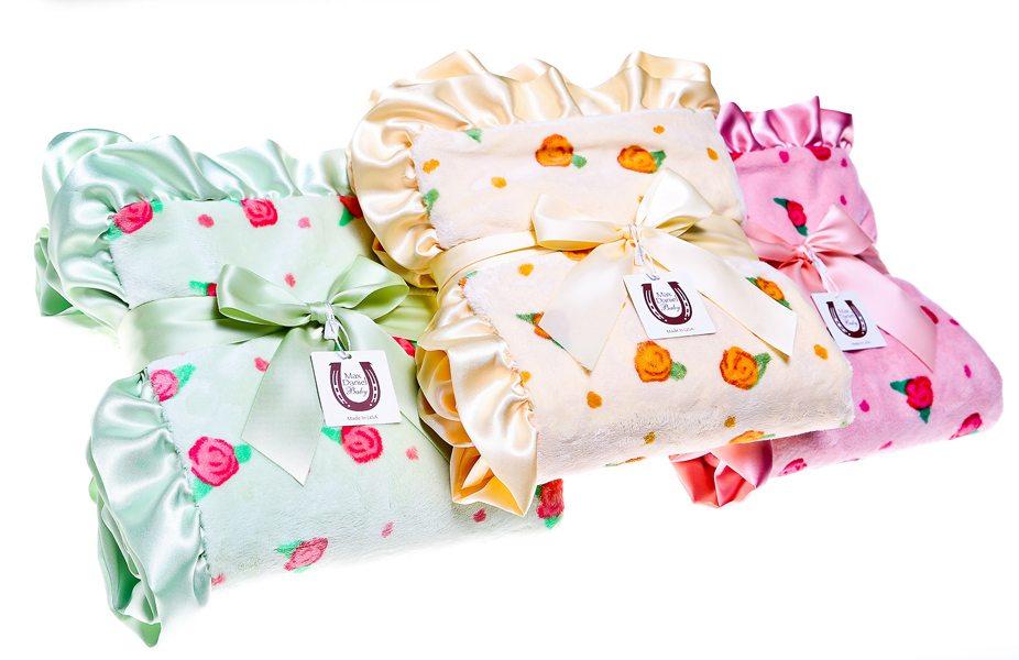 Max Daniel Spring Blossoms Blanket Giveaway | AFancyGirlMust.com
