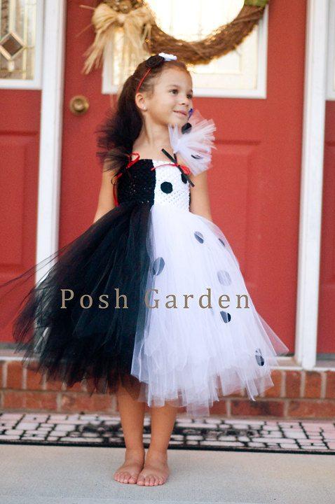 Non-Pink Halloween: Cruella de Vil| AFancyGirlMust.com