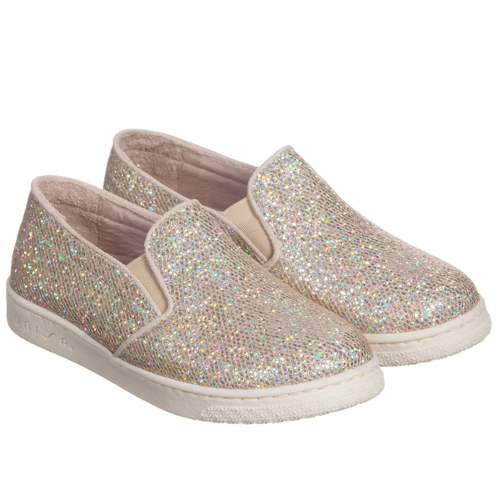 97c55d0dadbb A Fancy Girl Must - Friday Fresh Picks  Favorite Shoe for Fall - The ...